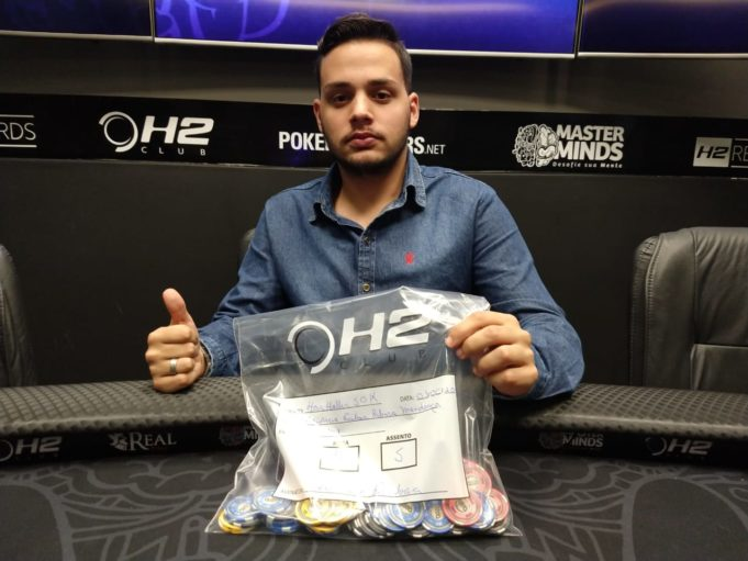 Paulo Godoy chip leader do Dia 1 do Super High Roller do MasterMinds
